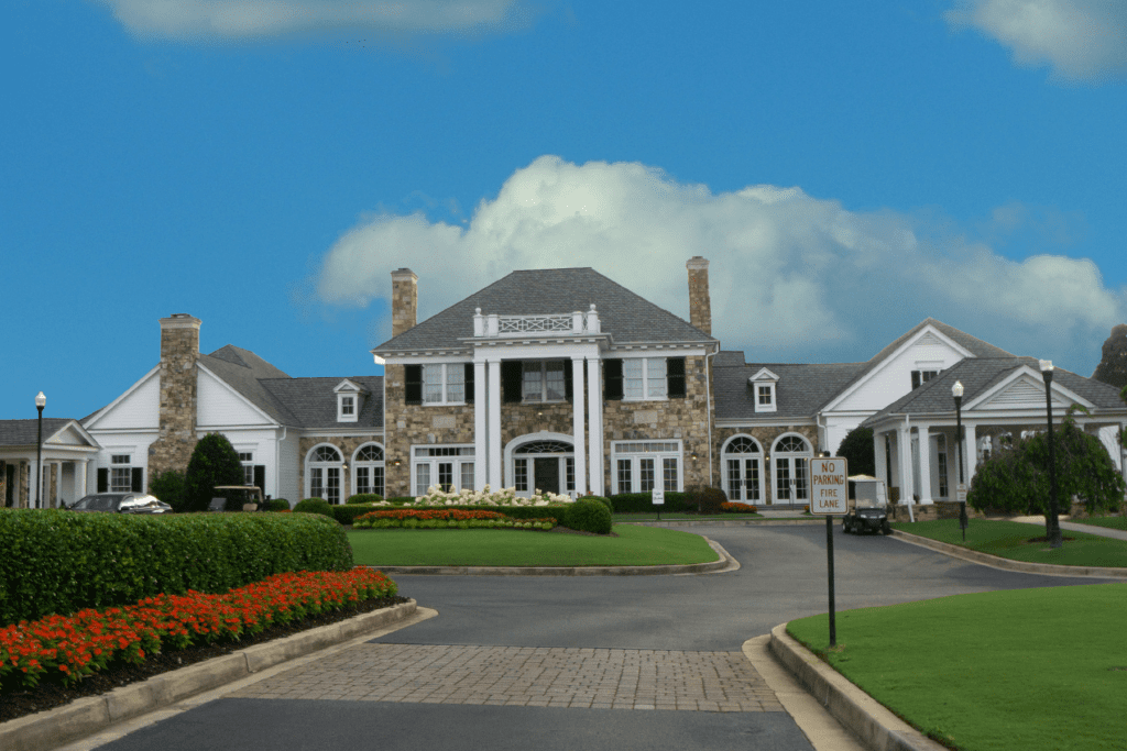 The Atlanta Country Club Clubhouse main entrance.